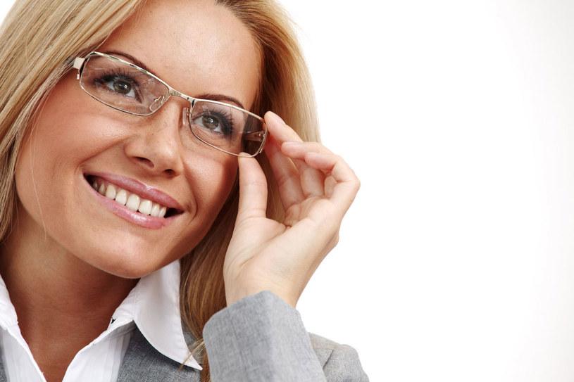 Dziś szkła okularowe nie tylko korygują wadę wzroku /123RF/PICSEL