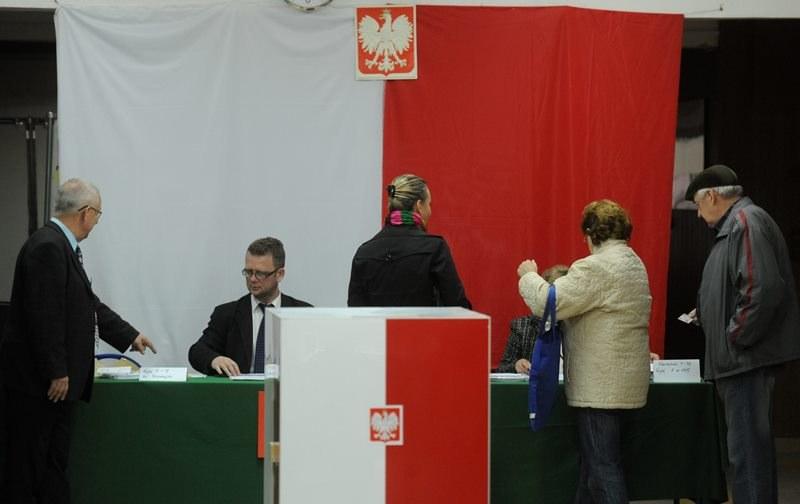 Dziś w całej Polsce trwa głosowanie do europarlamentu /Bartłomiej Zborowski /PAP