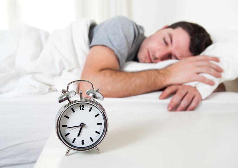Dziś w nocy śpimy godzinę krócej /123RF/PICSEL