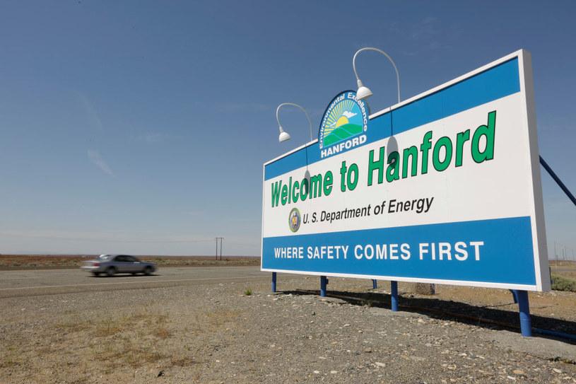 """Dziś wjeżdżając do Hanford mijamy wielki bilboard z napisem """"bezpieczeństwo przede wszystkim"""" /Getty Images"""