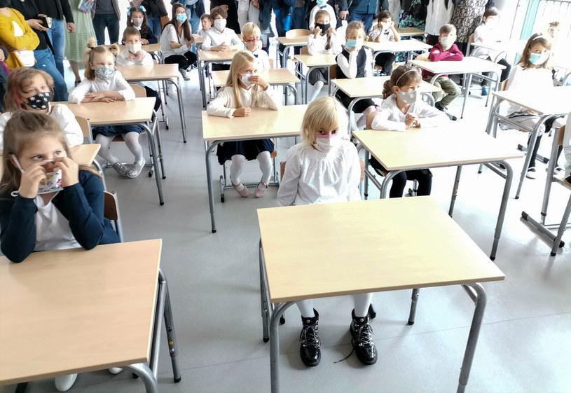 Dziś zapadnie decyzja, czy szkoły wrócą do nauczania zdalnego /Bartlomiej Kudowicz   /Agencja FORUM
