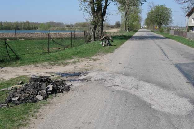 Dzisiaj droga została już naprawiona... /Policja