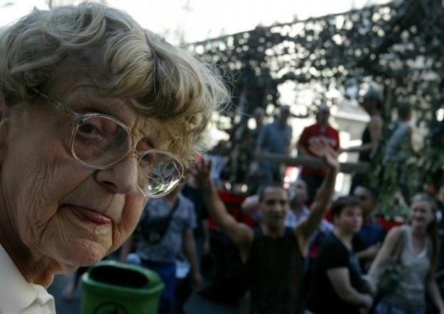 Dzisiaj egzekucji nie podlega połowa najniższej emerytury /AFP