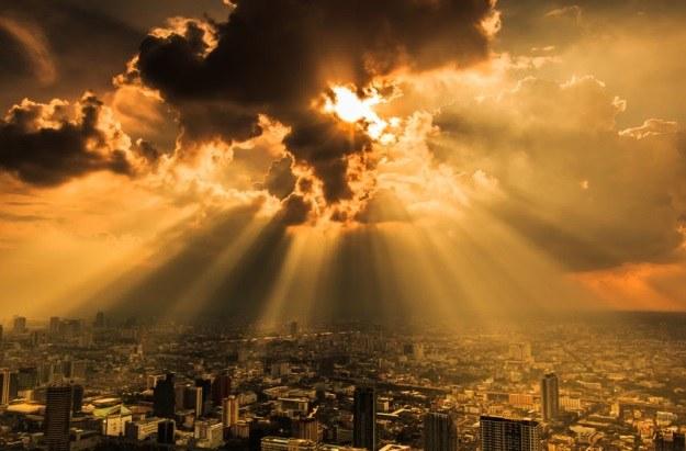 Dziura ozonowa coraz większym problemem /123RF/PICSEL