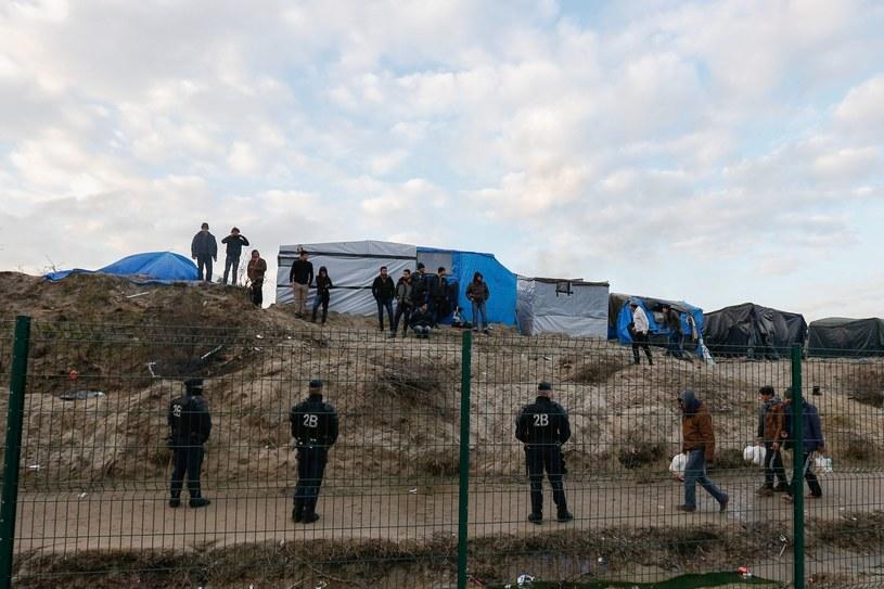 """""""Dżungla"""" pod Calais"""" /LAURENT DUBRULE    /PAP/EPA"""