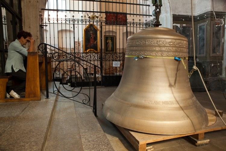 Dzwon waży trzy tony /Dariusz Proniewicz /RMF FM
