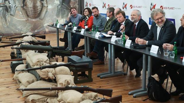 """""""Dzwony wojny"""" to kolejna, po """"Szpiegach w Warszawie"""", wspólna produkcja TVP i BBC. /PAP"""