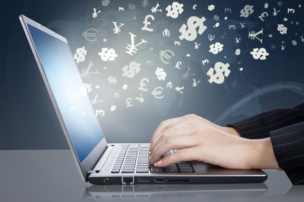 E-commerce będzie rósł po pandemii? /123RF/PICSEL