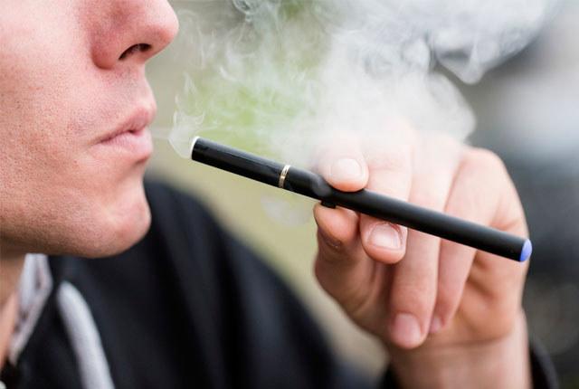 e-papieros szkodzi /© Photogenica