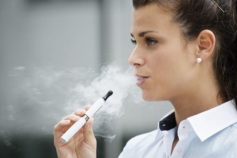 E-papieros to mniejsze zło? /123RF/PICSEL