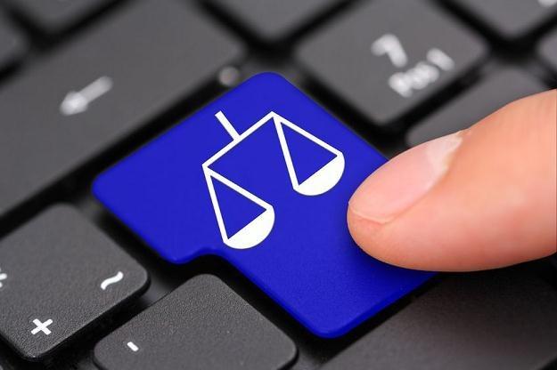 E-sąd będzie mógł ukarać tych, którzy nieprawidłowo zindentyfikują pozwanego /©123RF/PICSEL