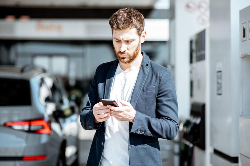 E-usługi mogą ułatwić życie każdemu kierowcy / 123rf/picsel /123RF/PICSEL