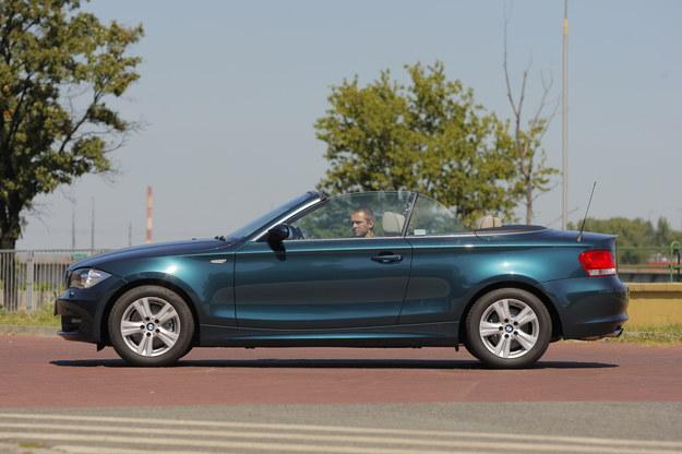 E88: Dł./szer./wys.: 436/175/141 cm, rozst. osi: 266 cm, bagażnik: 260/305 l. /Motor