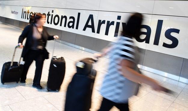 Ebola w Europie? UE chce dodatkowych kontroli na lotniskach