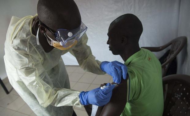 Ebola zabiła dwa razy więcej ludzi. Pochłonęła pieniądze potrzebne na leczenie innych chorych