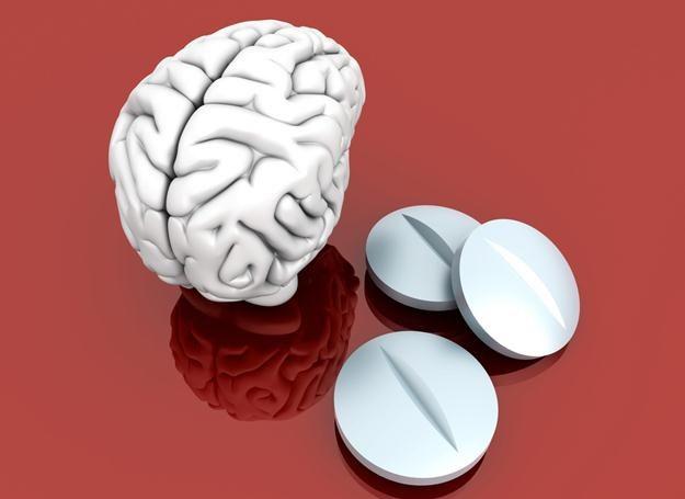 Ecstasy zaburza wytwarzanie serotoniny regulującej nastrój, apetyt, sen, uczenie się i pamięć. /© Panthermedia