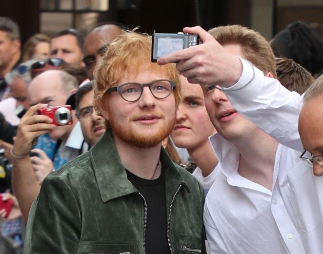 Ed Sheeran ma wielu fanów na całym świecie /Neil Mockford /Getty Images