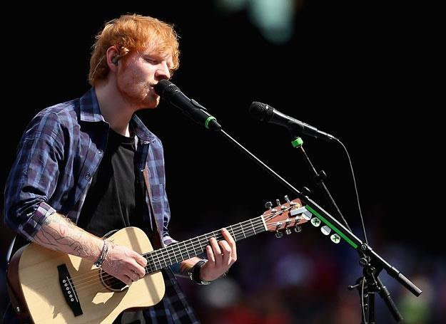 Ed Sheeran na scenie - fot. Quinn Rooney /Getty Images