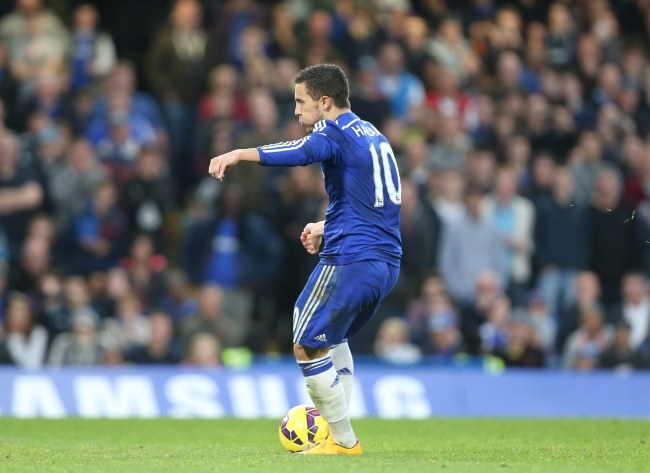 Eden Hazard zapewnił Chelsea trzy punkty /PAP/EPA