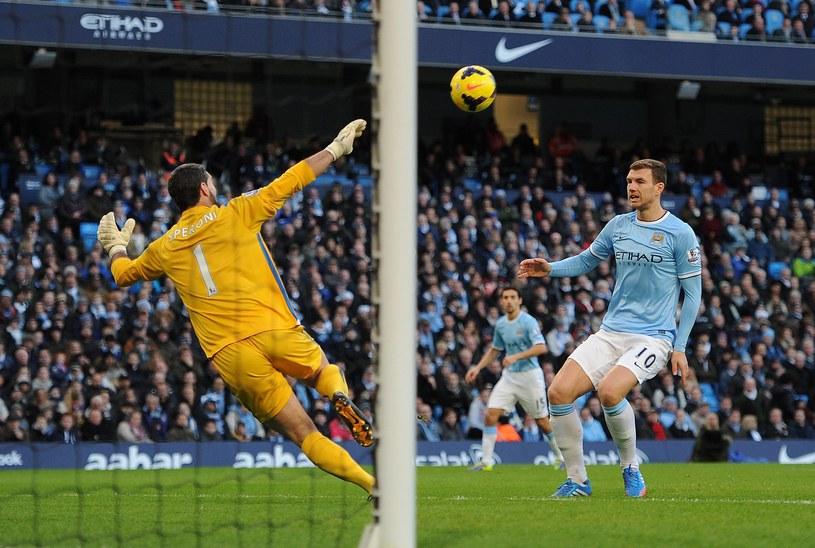 Edin Dżeko strzelił gola dla Manchesteru City w meczu z Crystal Palace /AFP