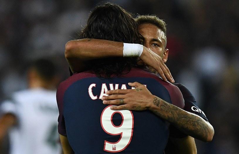 Edinson Cavani w objęciach Neymara /FRANCK FIFE /AFP