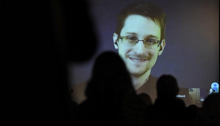 Edward Snowden, zdj. ilustracyjne /TOBIAS SCHWARZ /AFP