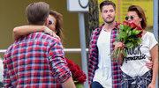 Edyta Górniak całuje się z nowym partnerem przed szpitalem
