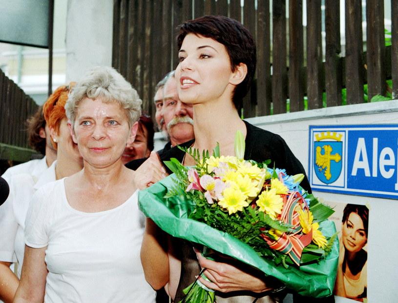 Edyta Górniak z mamą, lata 90. /Agencja FORUM