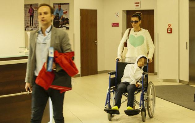 """""""Edyta pojawiła się w szpitalu w otoczeniu paparazzi na godzinę przed planowaną operacją"""" - twierdzi Dariusz Krupa. /Sebastian Lutek /East News"""