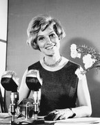 Edyta Wojtczak - była spikerką TVP od 1957 do 1996 roku. Zapowiadała programy w obu antenach TVP. Prowadziła konferansjerkę na festiwalach w Opolu