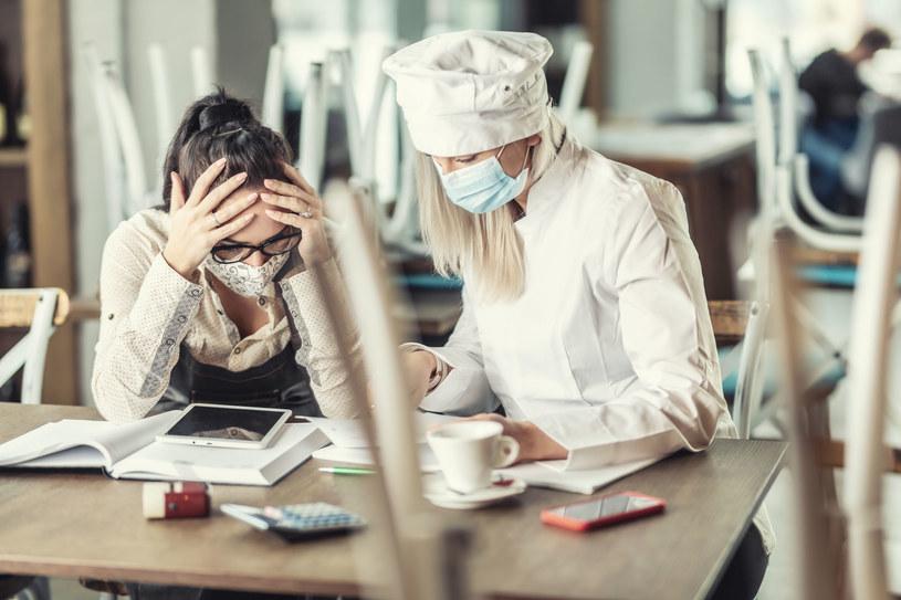 Efekt pandemii. Ponad 100 tys. miejsc pracy mniej /123RF/PICSEL