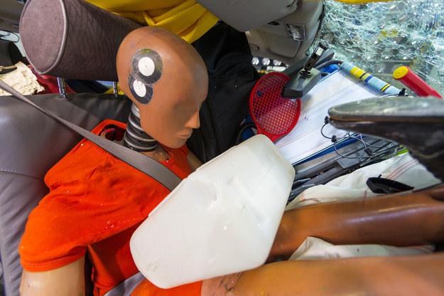 Efekt: pasażerowie zostali ciężko ranieni przez przesuwający się bagaż. /ADAC