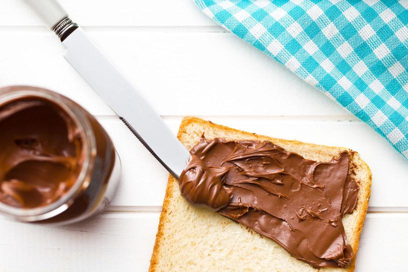 Efekty spożywania cukru nie są widoczne od razu. /123RF/PICSEL