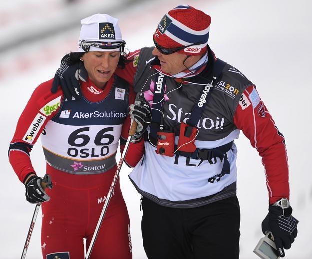 Egil Kristiansen - trener norweskich biegaczek. Z lewej Marit Bjoergen /AFP