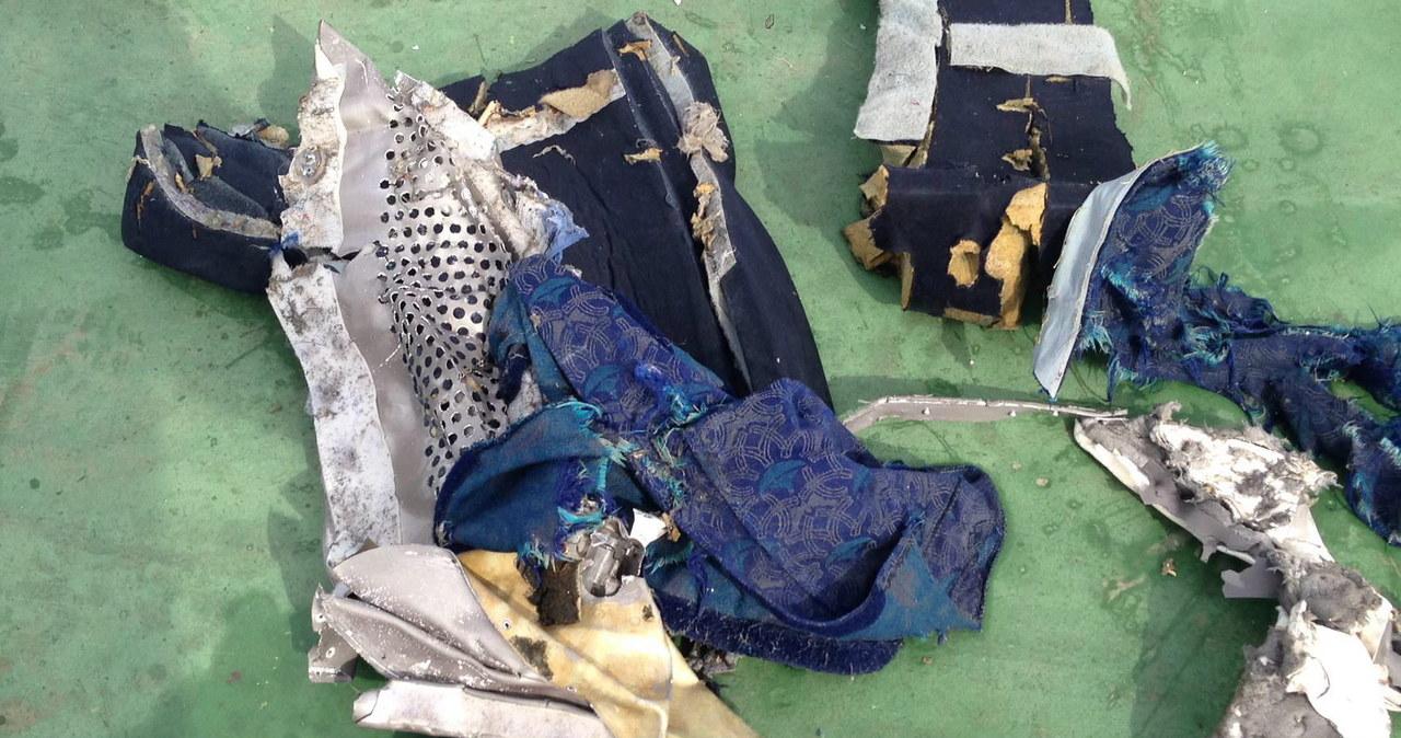 Egipskie ministerstwo opublikowało zdjęcia fragmentów airbusa EgyptAir