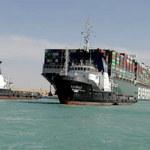 Egipskie władze nie pozwalają odpłynąć kontenerowcowi, który blokował Kanał Sueski