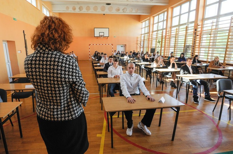 Egzamin gimnazjalny 2014 w gimnazjum nr 22 w Toruniu /Piotr Lampkowski /Reporter