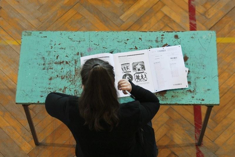 Egzamin gimnazjalny 2015 (zdjęcie ilustracyjne) /PAP/Lech Muszyński /PAP