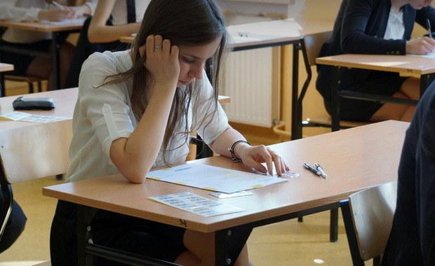 Egzamin gimnazjalny 2018: Język niemiecki - poziom rozszerzony [ARKUSZ I ODPOWIEDZI]