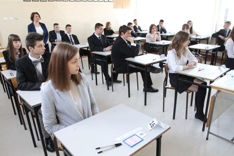 Egzamin gimnazjalny w Gimnazjum numer 3 imienia Janusza Korczaka /Łukasz Zarzycki /Agencja FORUM