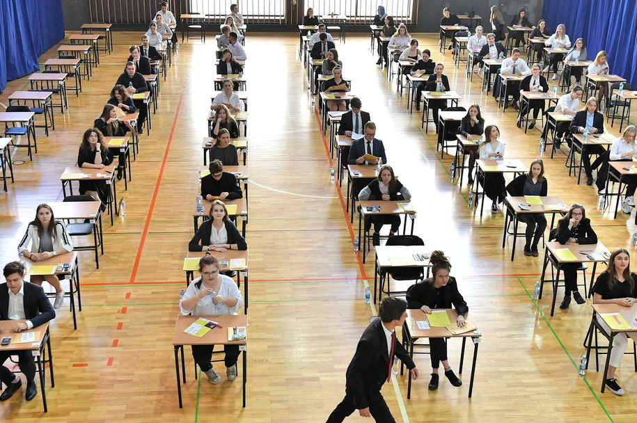 Egzamin maturalny w Liceum Ogólnokształcącym nr IX we Wrocławiu /Jan Karwowski /PAP
