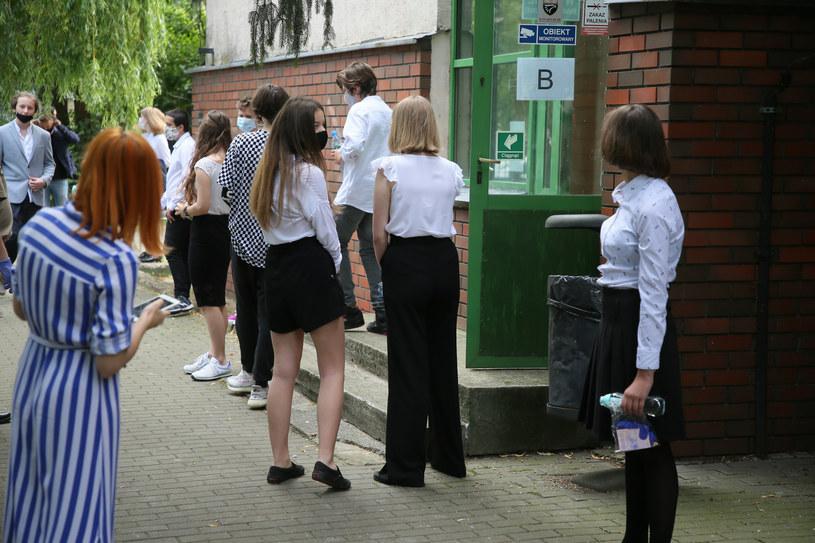 Egzamin ósmoklasisty 2020. Dziś uczniowie poznają wyniki! /Piotr Molecki /East News