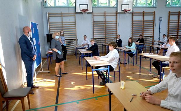 Egzamin ósmoklasisty z matematyki. Arkusze CKE i rozwiązania
