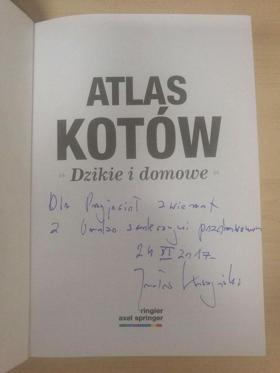 Egzemplarz Atlasu Zwierząt z dedykacją Jarosława Kaczyńskiego /RMF24