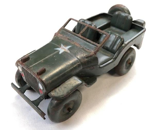 Egzemplarz jeepa zaprojektowanego przez Matsuzo Kosugego z kolekcji Muzeum Historii Ōtsu. /Matt Alt /materiały promocyjne