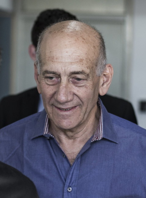 Ehud Olmert /OLIVER WEIKEN / POOL /PAP/EPA