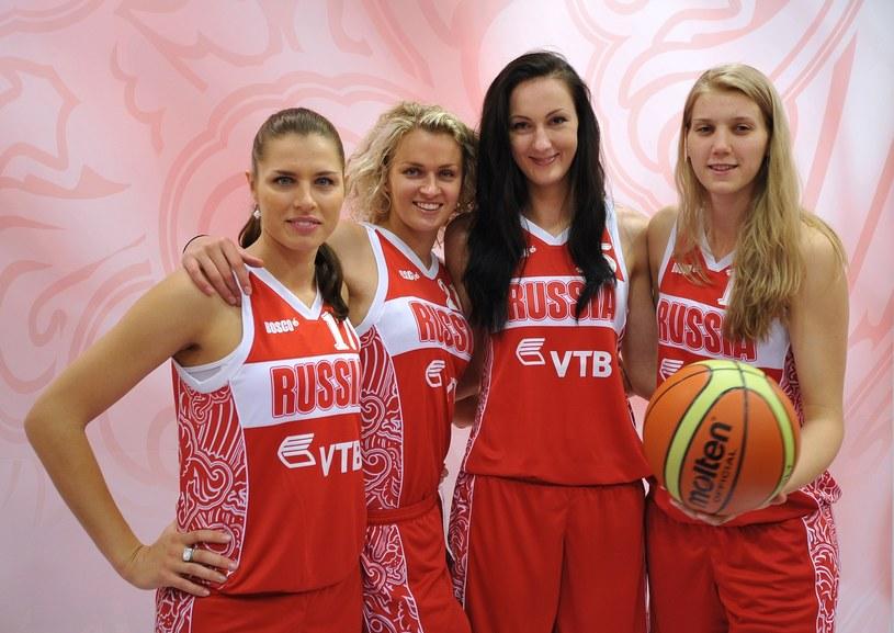 Ekaterina Lisina z koleżankami z drużyny /East News