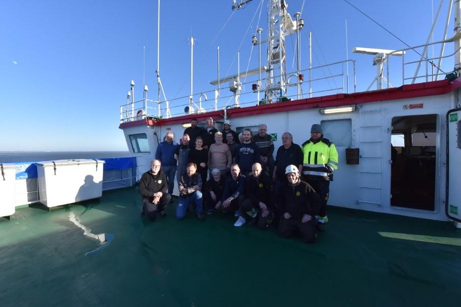 Ekipa biorąca udział w poszukiwaniach /SANTI - Odnaleźć Orła /Materiały prasowe