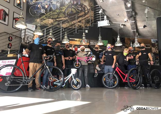 Ekipa sklepów rowerowych SPRINT - którzy pracują w fundacji Oddaj Rower /materiały prasowe /