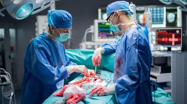 """Ekipie """"Lekarzy"""" na ostatnie 5 odcinków serii zmieni się reżyser i operator. /TVN"""